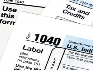 The Pros and Cons of Doing Your Own Taxes